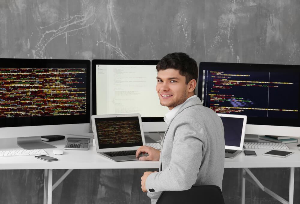 裁量労働制のシステムエンジニアの画像