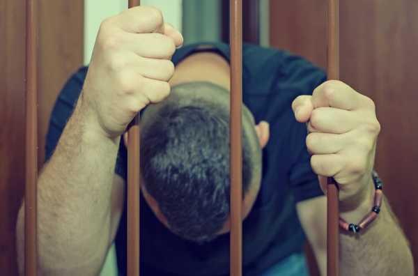 残業代未払いで罰則を受けた男性