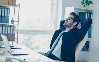 労働基準法上の休憩を取得している男性