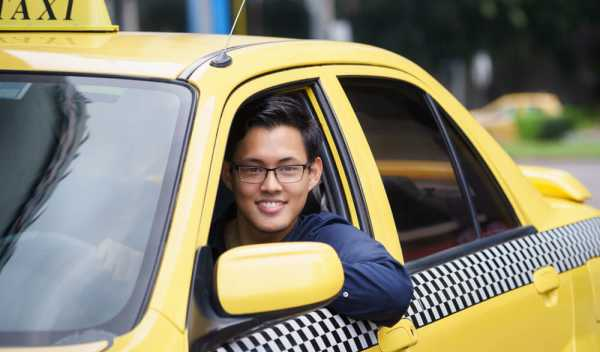 年収が気になるタクシー運転手