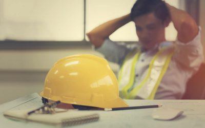 ブラックな中小企業で働く男性