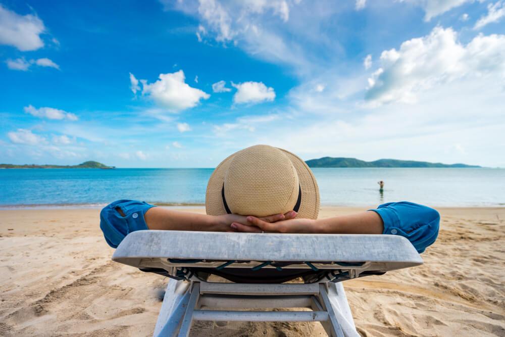 特別休暇で休む男性