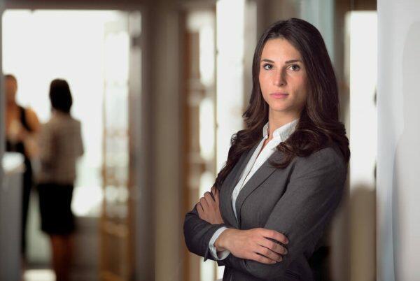 慰謝料請求に強い弁護士の女性